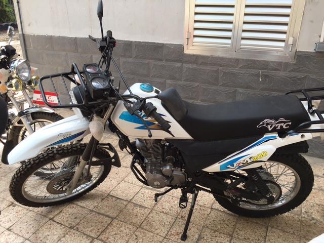 Derniere pièce moto type DT 200
