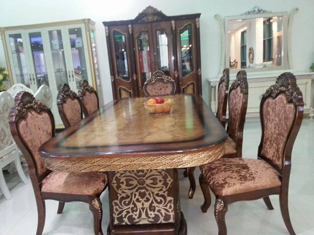 Belle table manger son living quasi neuf djibouti for Belle table a manger