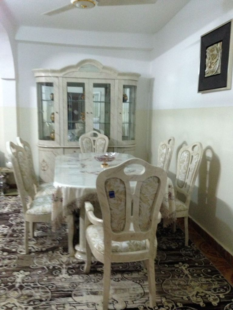 Salle a manger living quasi neuf djibouti for Living salle a manger