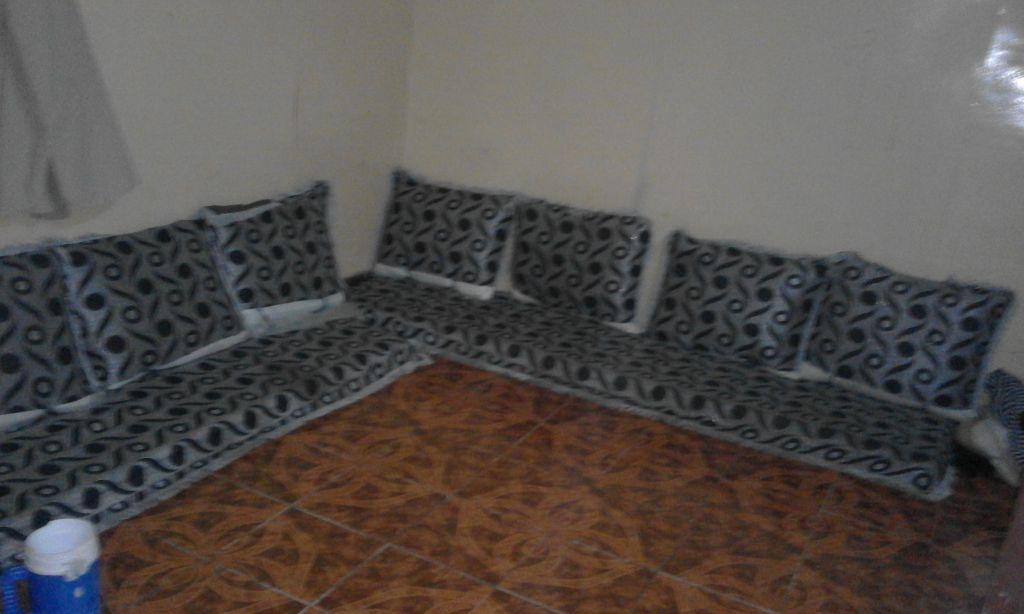 salon simple non blanc à Djibouti