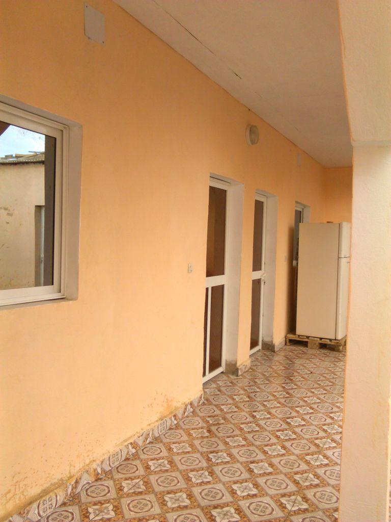 Maison en dur a vendre au cit chebelley djibouti for Extension maison en dur