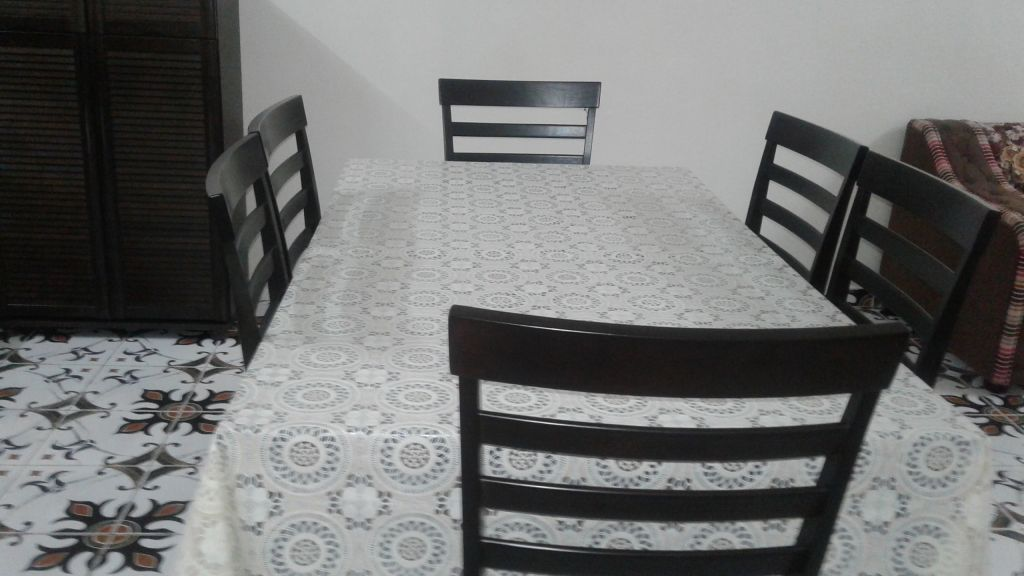 Table 6 chaises avec housse integr e en bois noir djibouti - Table avec chaise integree ...