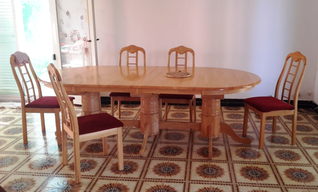 Salle a manger table et chaises djibouti for Table et chaises salle a manger