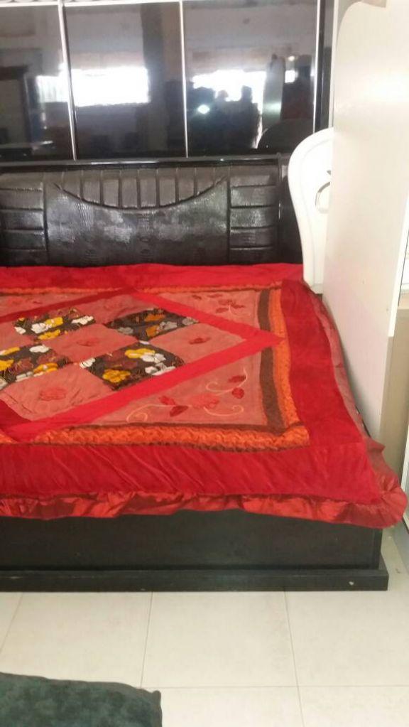 Chambre a couche complete brand new