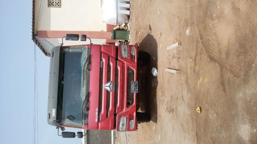 Camion Howo Sinotruk