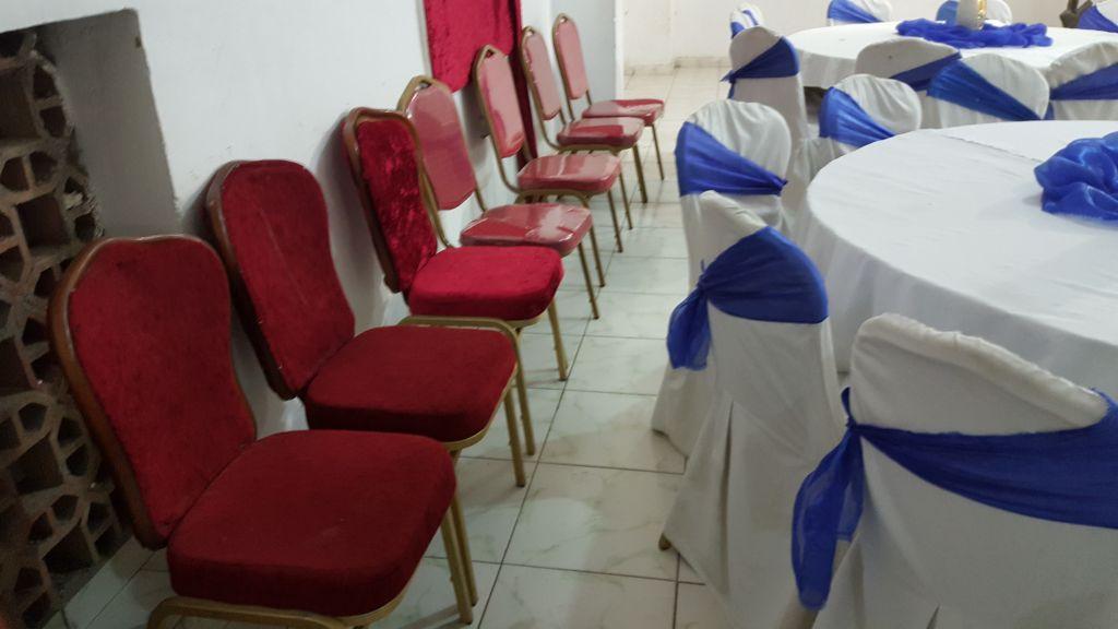 tables et chaises de mariage a louer djibouti. Black Bedroom Furniture Sets. Home Design Ideas