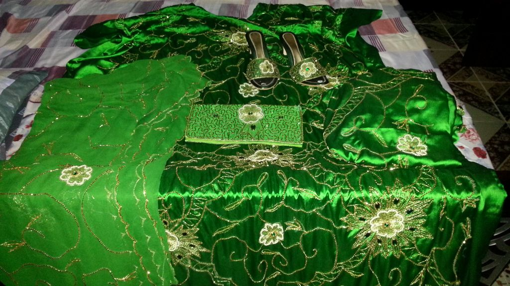 Boubou verte pour une marié
