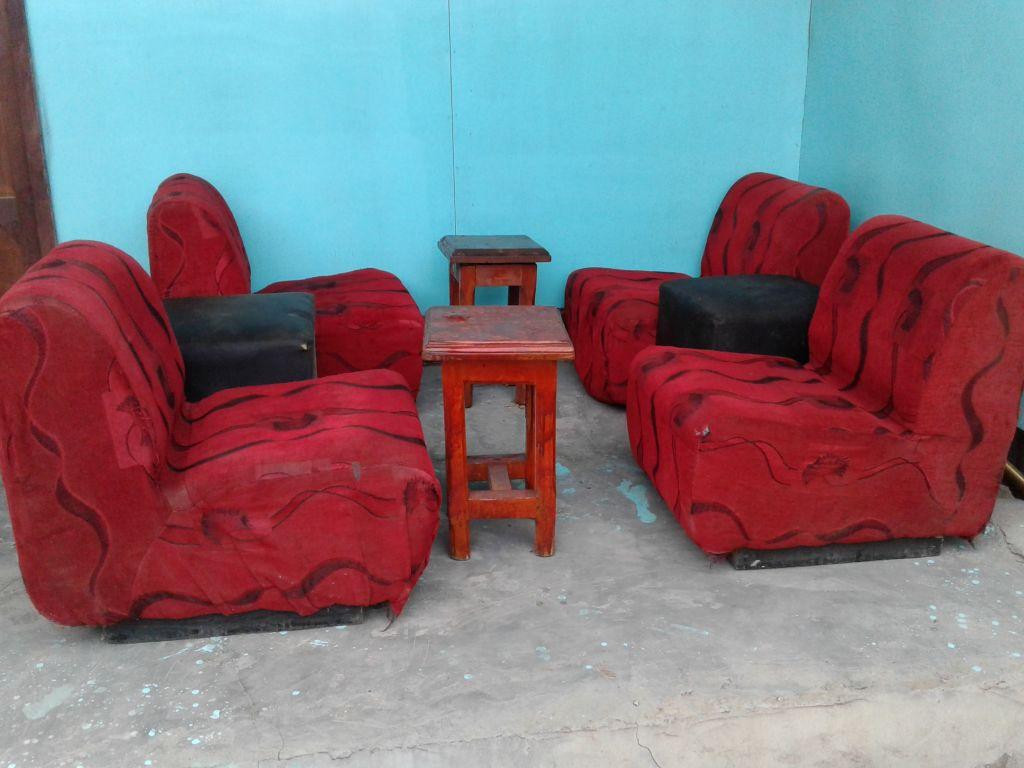 magasins, bureaux, espace commercial à djibouti - Chaise Et Table De Restaurant
