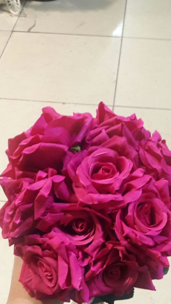 Mariage, festivités fleurs artificielles