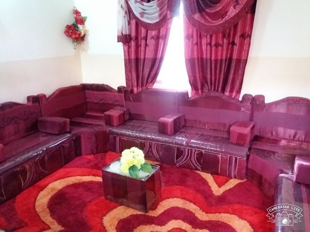 Salon a quatre etage importe de somaliland accessoires for Accessoires de salon