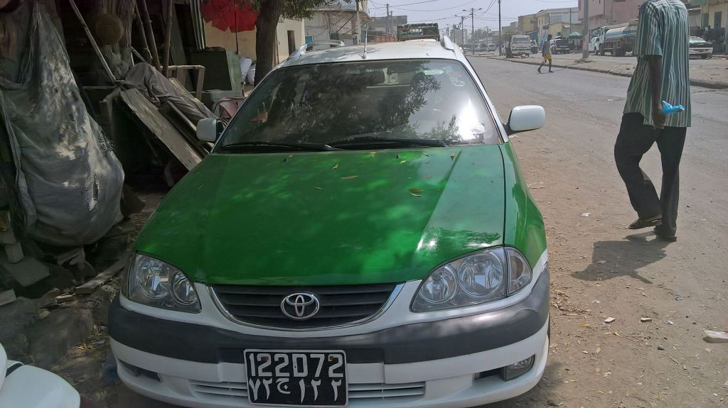 Taxi Toyota Avensis 2003