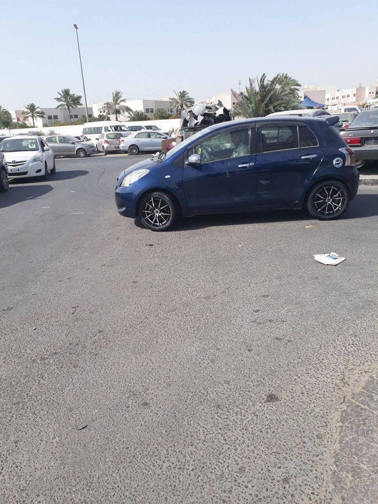Toyota Yaris Full option modél 2005 couleur Bleu foncée; Prix à débattre