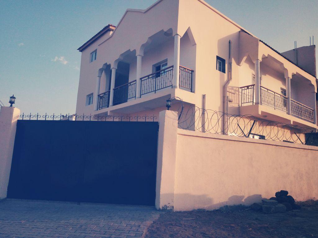 Maison villa duplex f6 a haramouss à louer