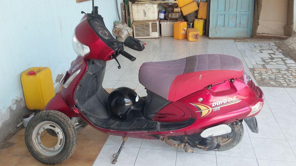 Moto Mahindra duro 125 dz