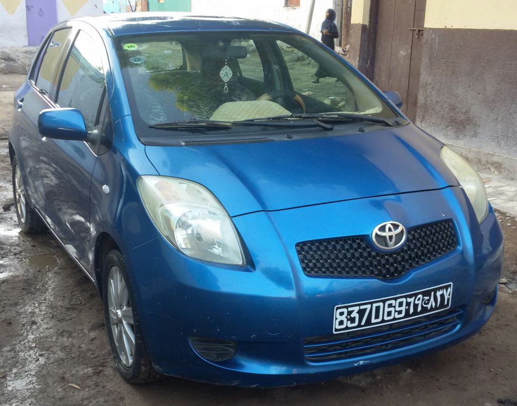 toyota yaris 2007 vendre prix n gociable djibouti. Black Bedroom Furniture Sets. Home Design Ideas