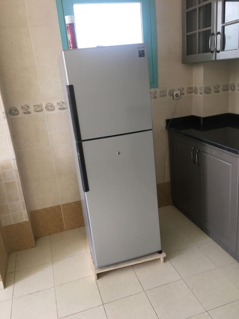 refrigerateur sharp djibouti. Black Bedroom Furniture Sets. Home Design Ideas