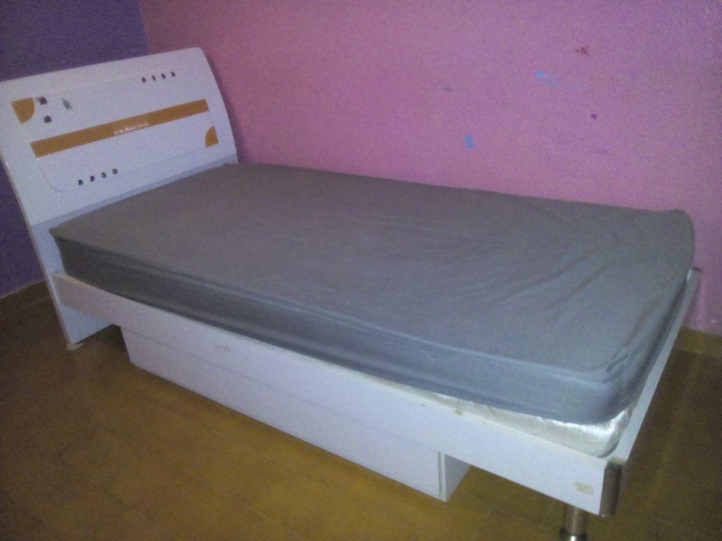 Vente d 39 une chambre coucher pour fille djibouti for Une chambre a coucher complete