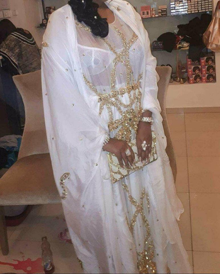 Boubou blanc pour une mariée