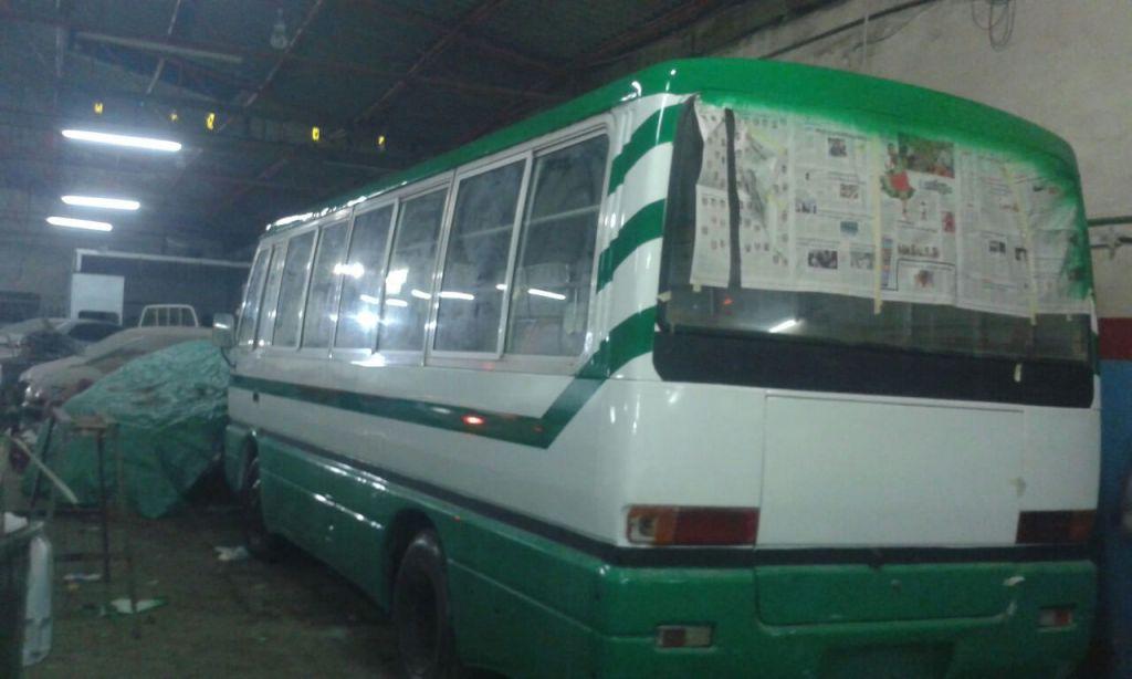 Bus 25 places