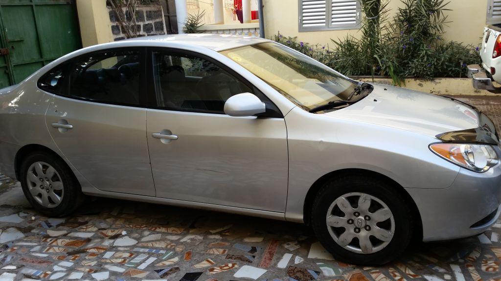 Voiture une Hyundai Elantra en très bon état