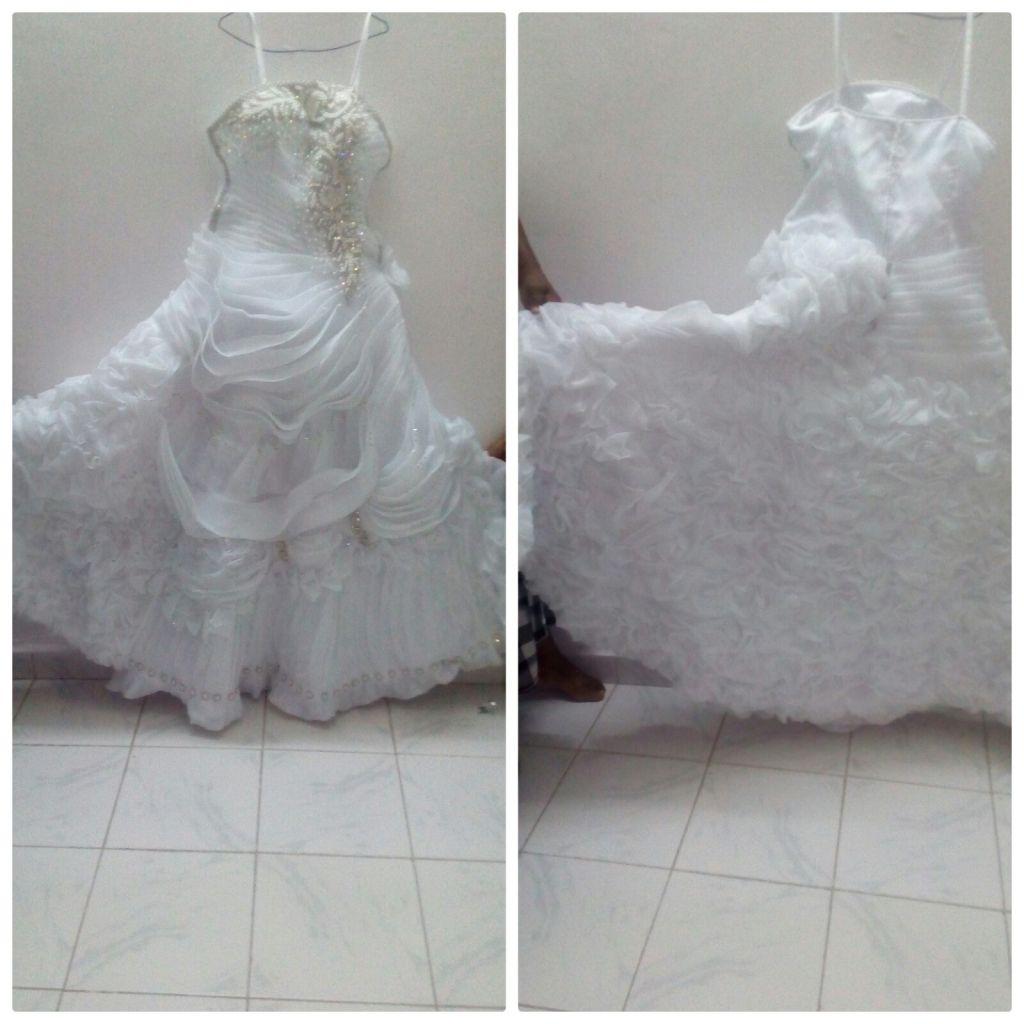 Je vend une belle robe blanche