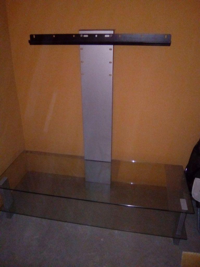 table de t l vision neuve achet e en france djibouti. Black Bedroom Furniture Sets. Home Design Ideas