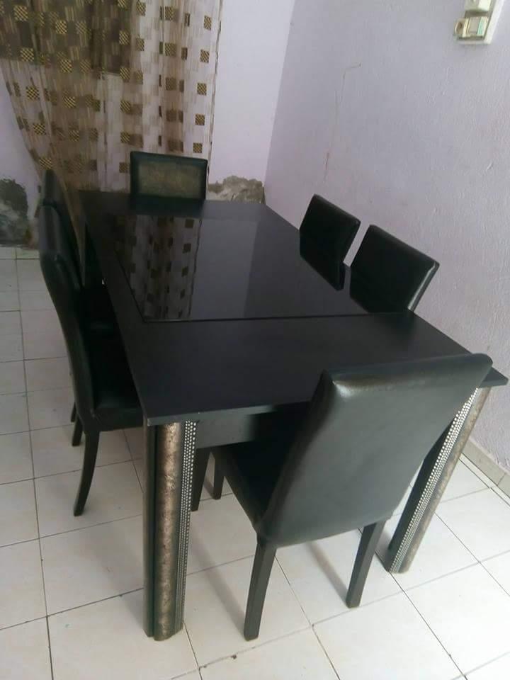 Table avec ses 6 chaises djibouti for Vente chaise