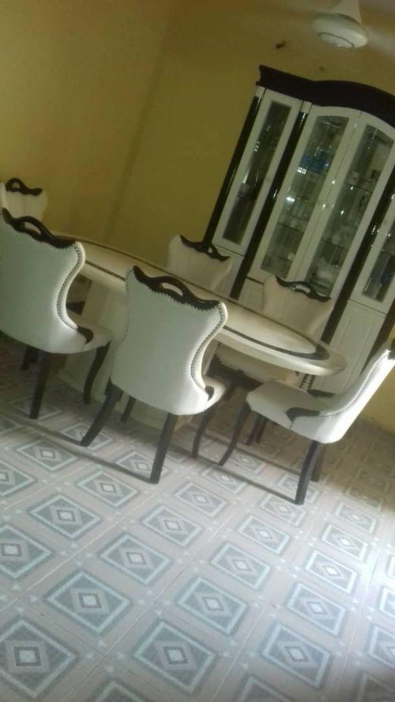 meuble vendre djibouti. Black Bedroom Furniture Sets. Home Design Ideas