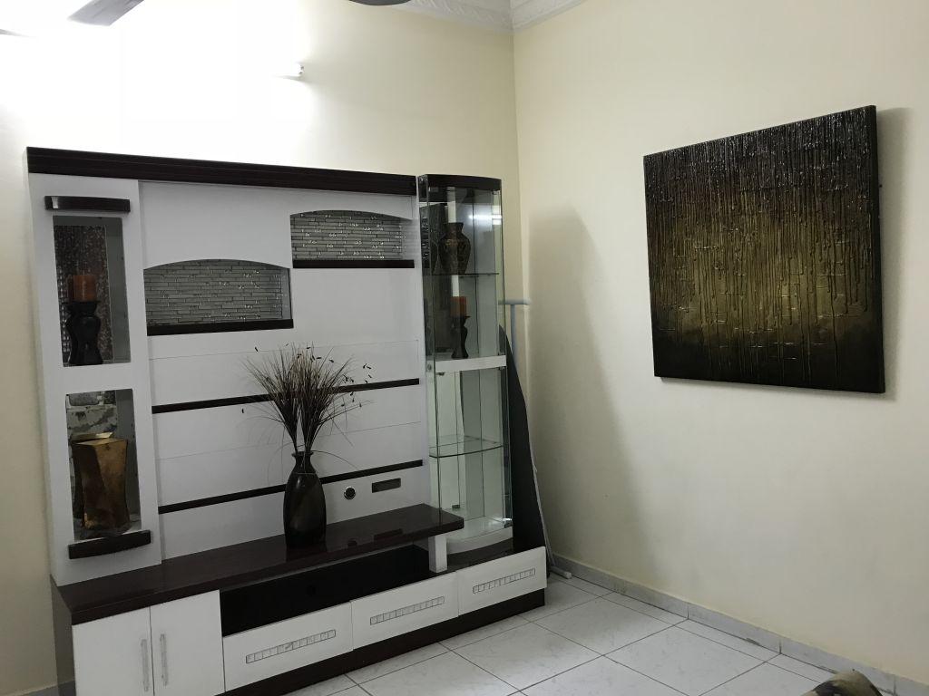 meuble t l tr s bon tat djibouti. Black Bedroom Furniture Sets. Home Design Ideas