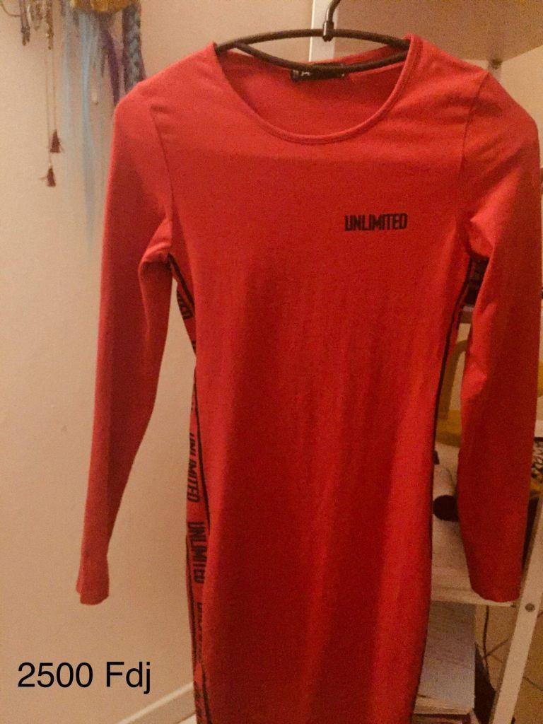 Robe rouge moulante Bershka pour adolescente/femme à Djibouti